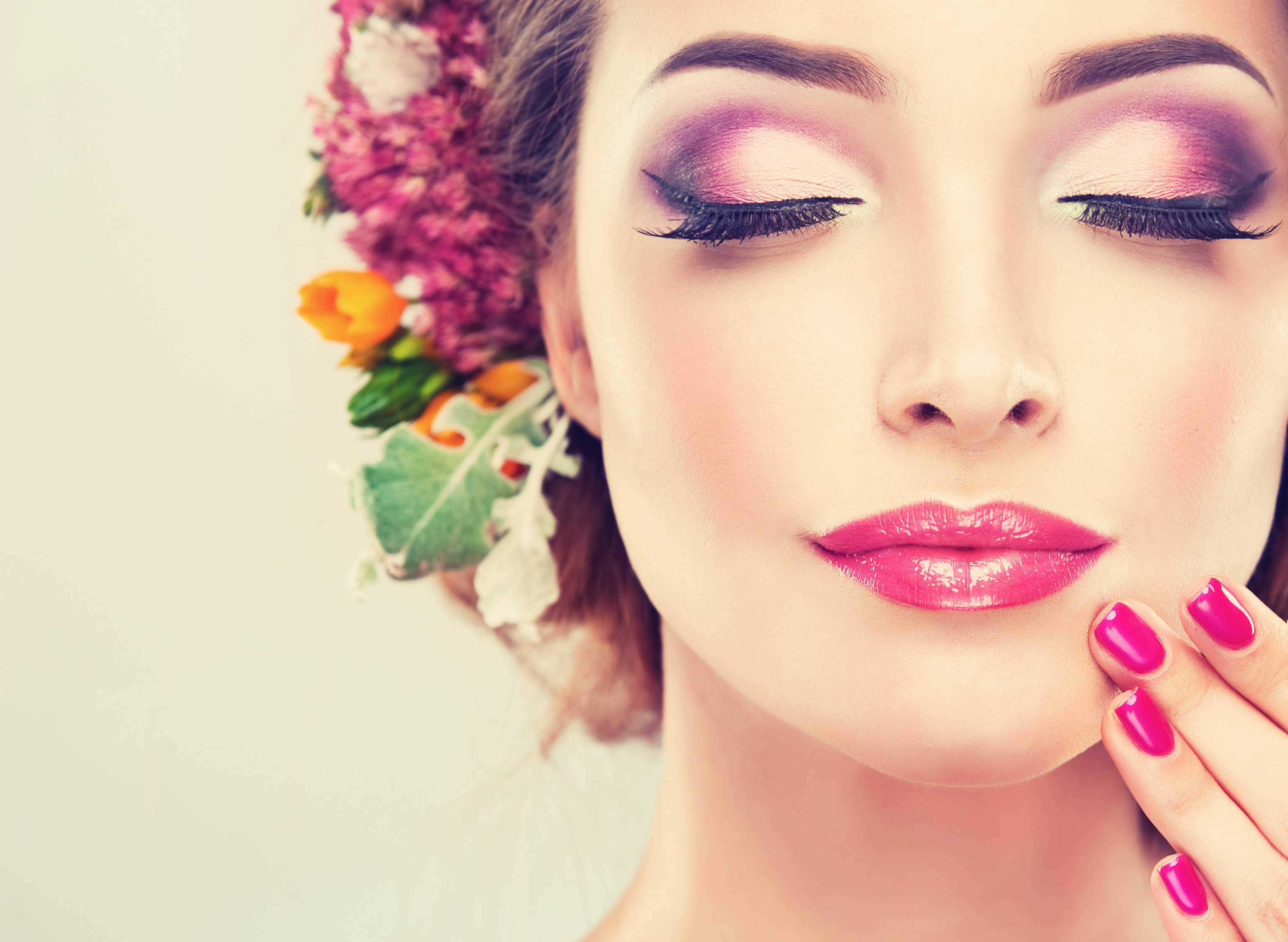 Beauty essentials pamper yourself or just look good – Best parlour in Udaipur